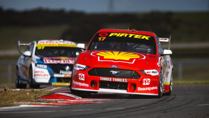 McLaughlin closes in on Supercars title