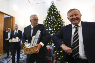 Prime Minister Scott Morrison is planning a low-key Christmas break while Labor's Anthony Albanese is headed for Tasmania's hiking trails.