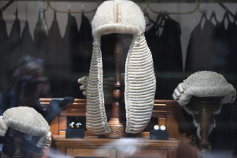 A full-bottomed wig, worn by Queen's Counsels in NSW.