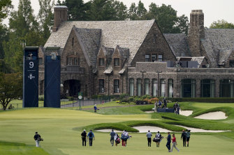 The group featuring Reed, Jordan Spieth (+3) and Hideki Matsuyama (+1) return to the clubhouse at the picturesque Winged Foot course in suburban New York.