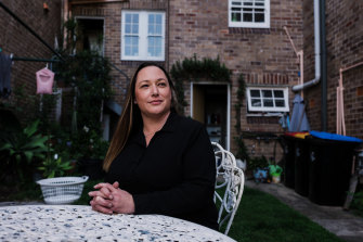 Kate Munn experiences PTSD, but now has an effective treatment plan.