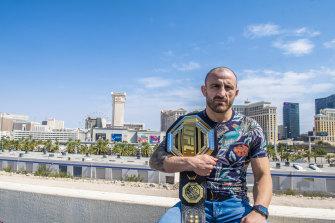 Alexander Volkanovski in Las Vegas during UFC 266 fight week.