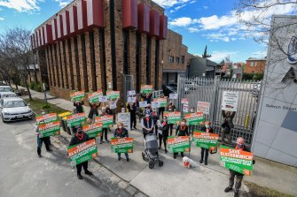 Elsternwick residents who opposed the Woolworths proposal for Selwyn Street.