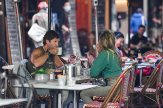 It is hoped that warmer weather will bring Melburnians back to restaurants and cafes. But how many?