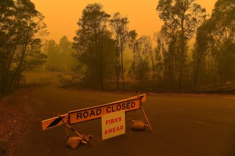 A road closure sign near Batemans Bay.