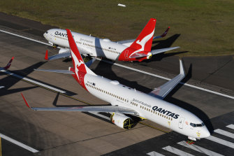 Qantas' international crew will be paid will pay $500 a week when JobKeeper ends.