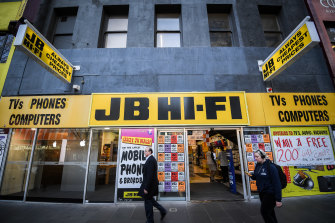 Some staff at JB Hi-Fi say they feel unsafe because of COVID-19 while others are happy to be earning an income.