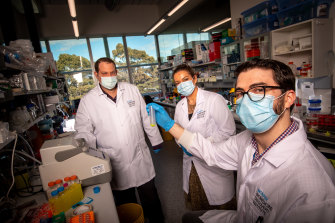 Left to right: Chen Davidovich,Traude Beilharz and Gavin Knott at the Monash University labs.