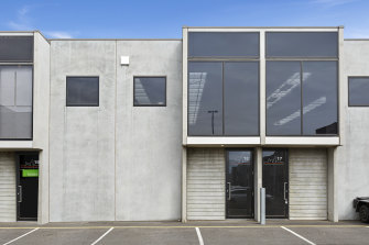 An industrial office/warehouse, Unit 18 at 46 Graingers Road, has sold for $538,000.