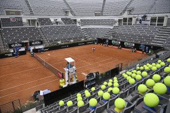 Novak Djokovic won through to the semi-finals.