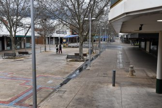 Shepparton's Maude Mall is virtually deserted as locals stay home.