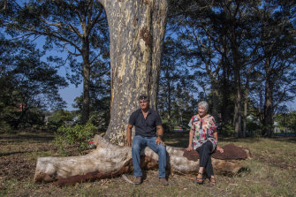A plan to build apartments and a hotel on the site of an Indigenous burial ground and historic church has caused uproar in the tourist town of Huskisson.