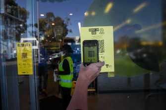 It will become mandatory for Victorian shoppers to sign into shops and supermarkets with QR codes.