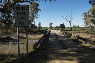 Farmers near the Koondrook-Perricoota forest want a nearby bridge strengthened as one of their conditions for letting the project proceed as designed.