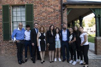 Keluarga tujuh anak di luar Parramatta Court pada hari Jumat.