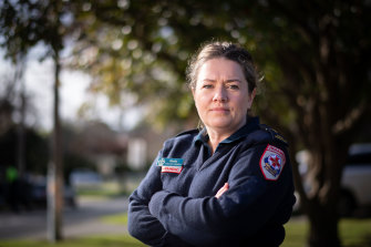 Melbourne paramedic Shelly Tennant saw Victorians like her struggling with the pandemic pressures of home schooling, financial insecurity and a lack of support.