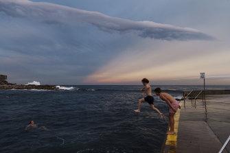Clovelly Beach reopens .