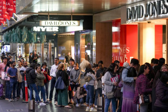 The queue outside David Jones on Bourke Street early on Boxing Day morning.