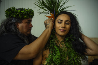 Jason Paulo and Danica Ta'ala of the Matavai Cultural Dance group welcoming  some of the 40,000 objects from the Pacific collection to Rydalmere.