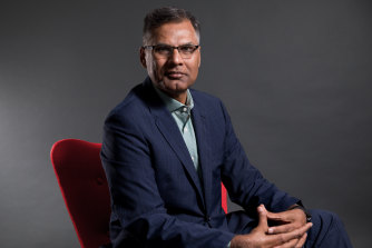 Professor Rahat Munir, the Head of the Department of Accounting and Corporate Governance at Macquarie Univerity Business School.