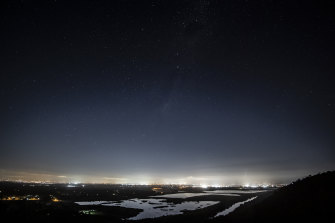 Light pollution of Sydney as seen from Hawkesbury Lookout at Hawkesbury Heights.