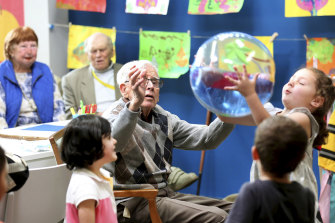 Old People's Home for Four Year Olds gets preschoolers to interact with the residents of a retirement home.