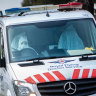 'Dumbfounded': Paramedics wearing masks that could spread COVID-19