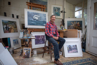 Port Albert gallery owner and artist Warren Curry.