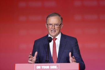 Labor Leader Anthony Albanese has urged national executive to fast-track the preselection process.