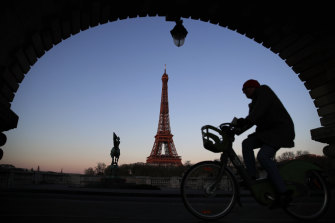 The reduced speed limit in Paris is intended to cut pollution, while also encouraging bike and pedestrian traffic.