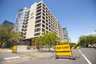 The road is closed around the hotel in St Kilda Road.
