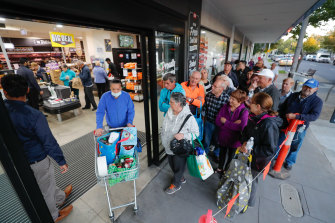 This Melbourne IGA store introduced elderly-only shopping hour amid coronavirus panic buying, the big supermarkets soon followed suit.