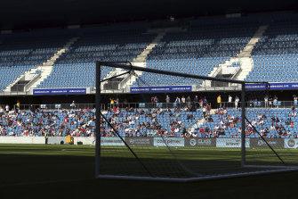 Just 5000 spectators were allow in to watch Le Havre play Paris Saint-Germain.