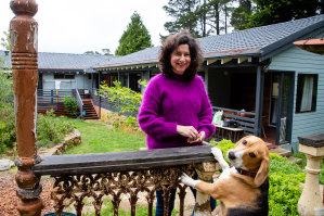 Gina Metcalfe prefers working from home in the Blue Mountains to a long commute to Parramatta.