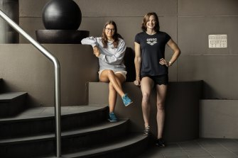 Elin Schulz with Olympic swimmer Cate Campbell. Elin and her sister Nele (18) wrote letters to Cate in 2016 after her disappointment at the Rio Games.