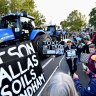 'Toxic Tim': Trucks block central Werribee in protest against soil-dumping plan