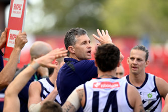 Dockers coach Justin Longmuir instructs his troops.