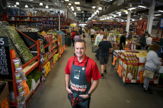 Bunnings MD Mike Schneider has said the company will give employees plenty of time to make up their minds on vaccination.,