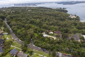There were long traffic queues on Tuesday into North Head from the old Manly hospital as people waited for COVID-19 testing.