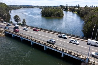 Narrabeen Bridge will divide the northern beaches in two over Christmas.