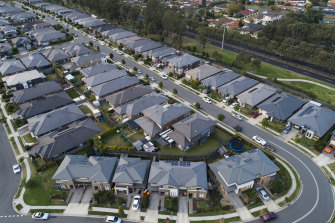 Darker roofs contribute to western Sydney's heat island effect by creating more radiant heat and higher energy consumption.