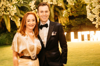 Mother and son: Ros and Robert Oatley at the White Caravan fundraiser the family hosted in 2018.