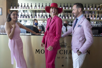 Abbey Gelmi, Nikki Phillips and Donny Galella all got the pink style memo.