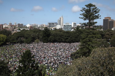 'No planet B': More than 50,000 Sydneysiders march for climate action