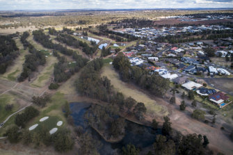 An aerial view of the 27-hole Dubbo Golf Club, which is hoping its water reserves will keep it greens alive long enough to hose the 2020 Women's NSW Open next March.