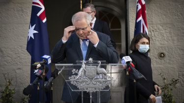 Prime Minister Scott Morrison and NSW Premier Gladys Berejiklian  announce COVID-19 financial relief.