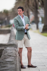 Leading Melbourne real estate agent Marty Fox has ditched socks and suits but still wears Gucci shoes to impress buyers and sellers.