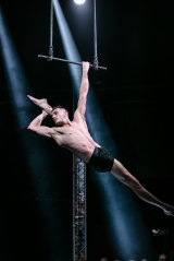 Peepshow combines cabaret and burlesque with traditional circus acts.
