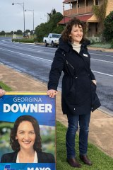 Georgina Downer on the campaign trail in Middleton, SA.