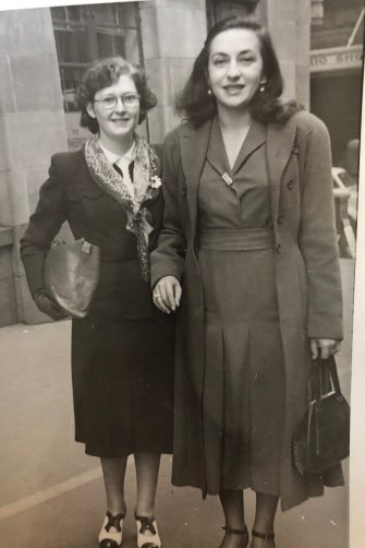 Leser's mother (left) with pianist Pnina Salzman in 1945.